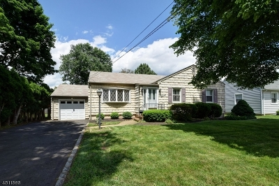 Clark Twp. Single Family Home For Sale: 11 Whitley Ter