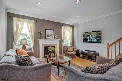 Nutley Twp. Condo/Townhouse For Sale: 461 Hartford Dr