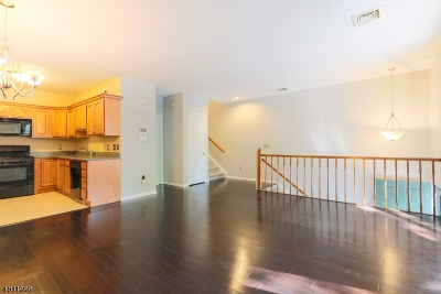 Morristown Town Condo/Townhouse For Sale: 60-D Ridgedale Ave