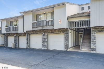 West Orange Twp. Condo/Townhouse For Sale: 62 Hart Dr