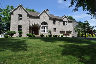 Clark Twp. Single Family Home For Sale: 70 Thomas Dr