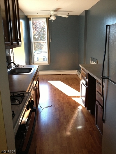 Belleville Twp. Condo/Townhouse For Sale: 832 Main St #H