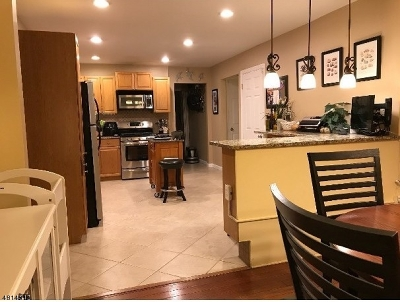 West Orange Twp. Single Family Home For Sale: 920 Pleasant Valley Way