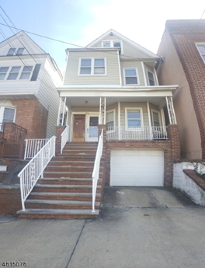 Bayonne City NJ Multi Family Home For Sale: $395,200
