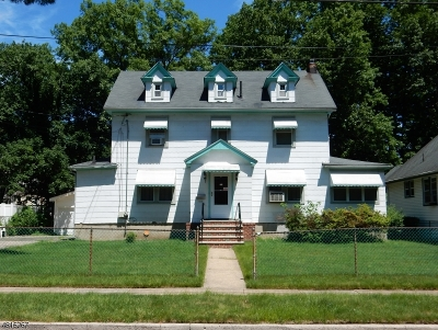 Single Family Home For Sale: 609 Spruce St.