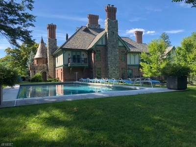 WATCHUNG Single Family Home For Sale: 808 Valley Rd