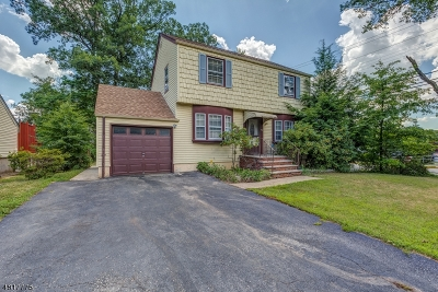 Livingston Twp. Single Family Home For Sale: 57 Amherst Pl