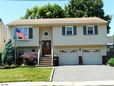 Union Twp. Single Family Home For Sale: 560 Robinson Ter