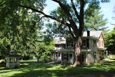 Union Twp. Single Family Home For Sale: 33 Gravel Hill Rd