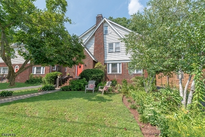 Maplewood Twp. Single Family Home For Sale: 25 Ball Ter