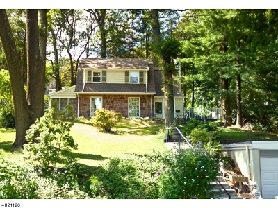 West Orange Twp. Single Family Home For Sale: 50 Winding Way