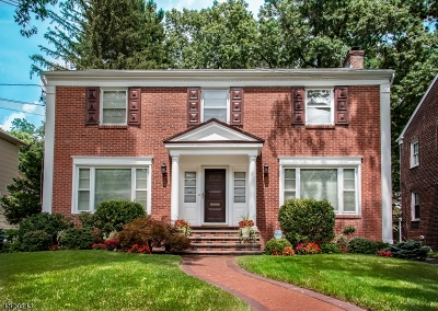 Maplewood Twp. Single Family Home For Sale: 7 Plymouth Pl