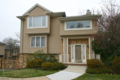 West Orange Twp. Condo/Townhouse For Sale: 55 Blackburne Ter