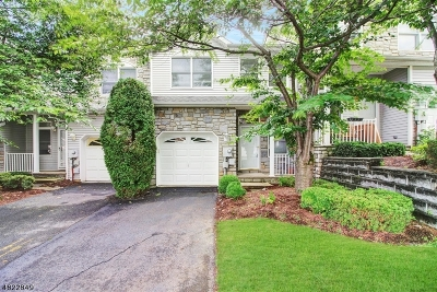 Parsippany-Troy Hills Twp. Condo/Townhouse For Sale: 28 Summerhill Dr