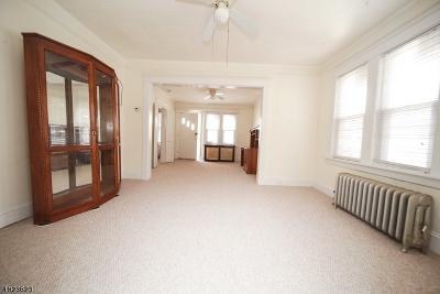 Woodbridge Twp. Single Family Home For Sale: 7 Holllister
