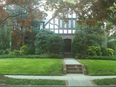 Elizabeth City Single Family Home For Sale: 15 Denman Pl
