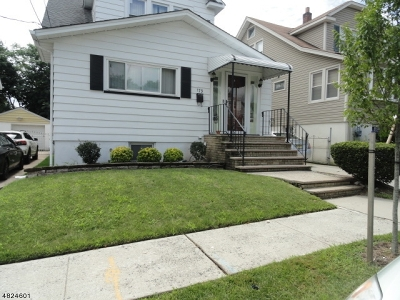 Single Family Home For Sale: 179 W 4th St