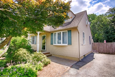 Morris Plains Boro Single Family Home For Sale: 15 Malapardis Rd