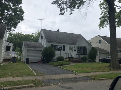 Union Twp. Single Family Home For Sale: 34 Filbert Ln