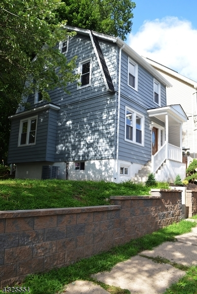 Bloomfield Twp. Single Family Home For Sale: 103 Hobson St
