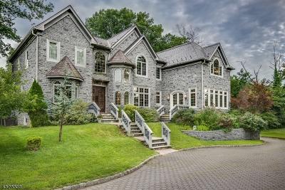 Woodbridge Twp. Single Family Home For Sale: 64 Stafford Rd