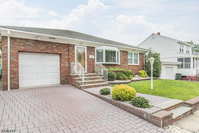 Fords Single Family Home For Sale: 60 Maple Ave