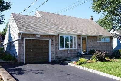 Woodbridge Twp. Single Family Home For Sale: 34 Pine Tree Dr
