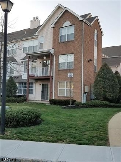 North Brunswick Twp. Condo/Townhouse For Sale: 410 Plymouth Rd