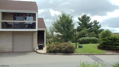 Union Twp. Condo/Townhouse For Sale: 2 Cross Way