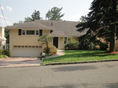 West Orange Twp. Single Family Home For Sale: 10 Beaumont Ter