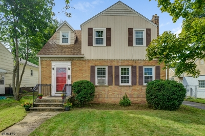 West Orange Twp. Single Family Home For Sale: 707 Pleasant Valley Way