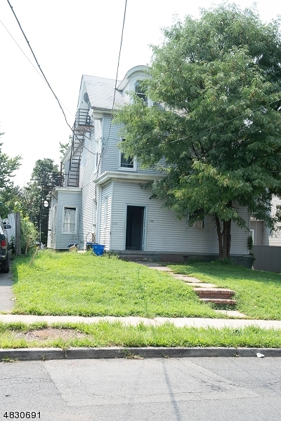 Elizabeth City Single Family Home Active Under Contract: 146-148 Chilton St