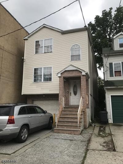 Elizabeth City Multi Family Home For Sale: 302 Court St