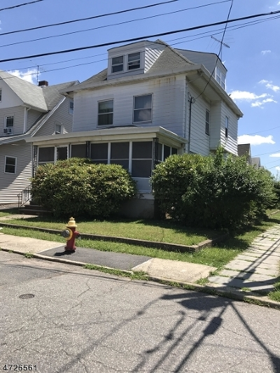 Passaic City Single Family Home For Sale: 2 De Bell Ct