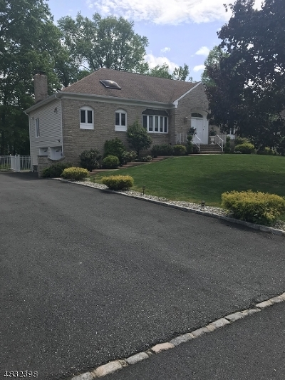 East Hanover Twp. Single Family Home For Sale: 7 Kristi Dr