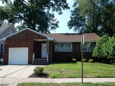 Single Family Home For Sale: 118 Rosewood Ter