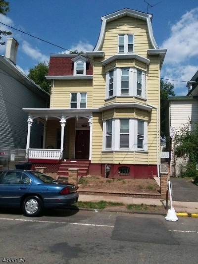 Newark City NJ Single Family Home For Sale: $200,000