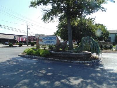 Woodbridge Twp. Condo/Townhouse For Sale: 1712 Woodbridge Comns Way