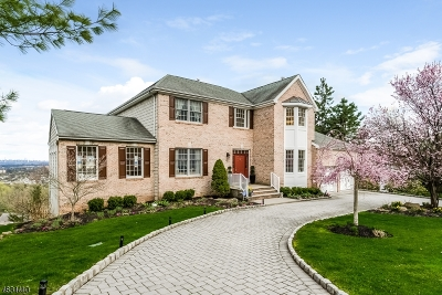 West Orange Twp. Single Family Home For Sale: 31 Mountain Dr