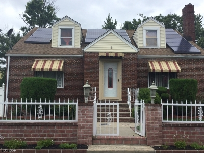 Woodbridge Twp. Multi Family Home For Sale: 121 Chestnut St