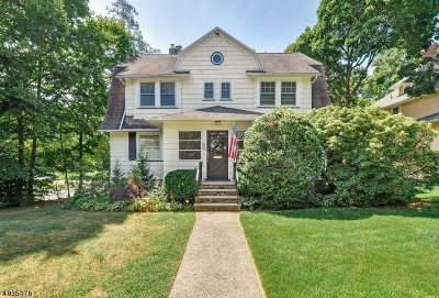 Maplewood Twp. Single Family Home For Sale: 4 Lenox Pl