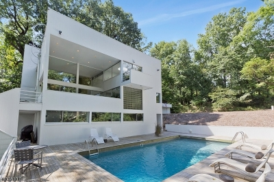 WATCHUNG Single Family Home For Sale: 1152 Johnston Dr