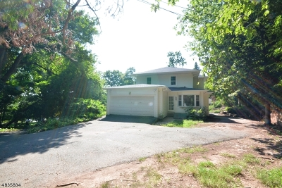 Clifton City, Passaic City Single Family Home For Sale: 40 Oak Hill Rd