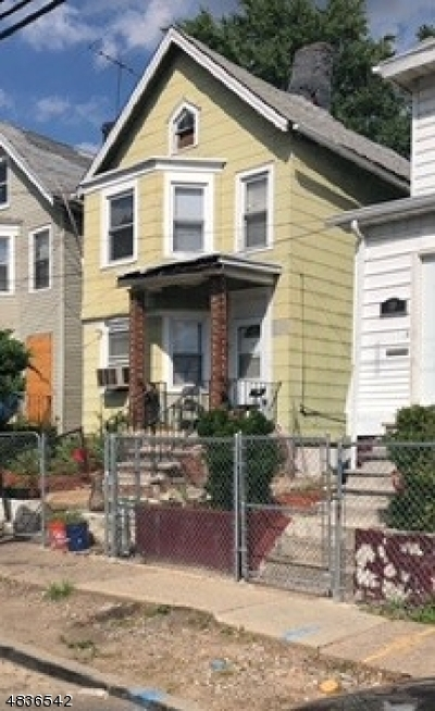 Single Family Home For Sale: 12 Cummings St.