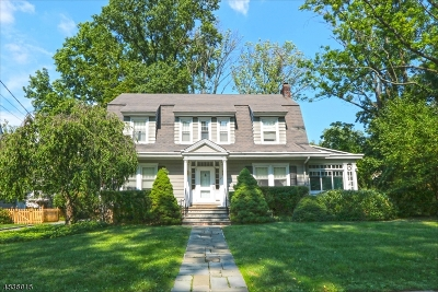 Maplewood Twp. Single Family Home For Sale: 7 Maple Ter