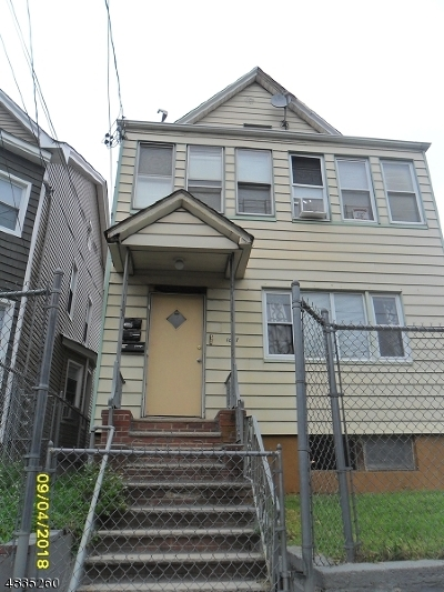 Elizabeth City Multi Family Home For Sale: 1065-1067 Anna St