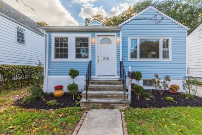 Union Twp. Single Family Home For Sale: 916 Lakeside Pl