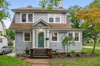 Maplewood Twp. Single Family Home For Sale: 1 Oakland Ter