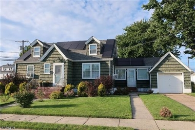 Woodbridge Twp. Single Family Home For Sale: 111 Larch St
