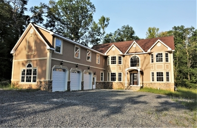 South Brunswick Twp. Single Family Home For Sale